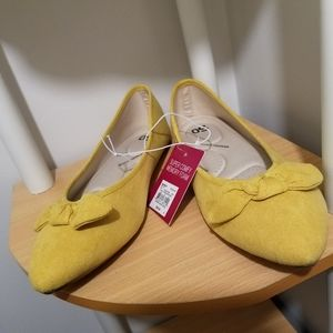 NWT - Mustard yellow suede flats